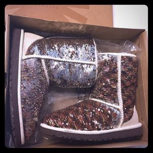 UGG W Classic Short Champagne Sparkles NEW